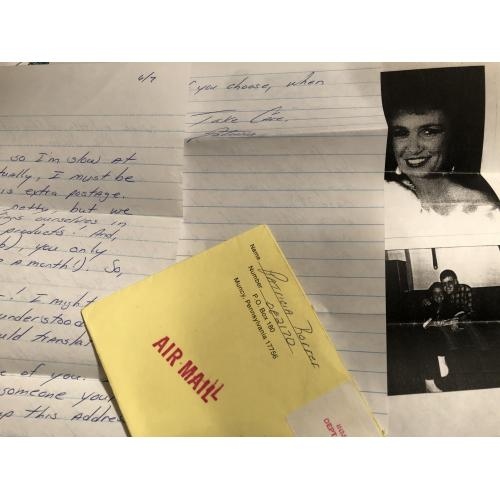 PATRICIA RORRER HANDWRITTEN LETTER + ENVELOPE + B/W PICTURES
