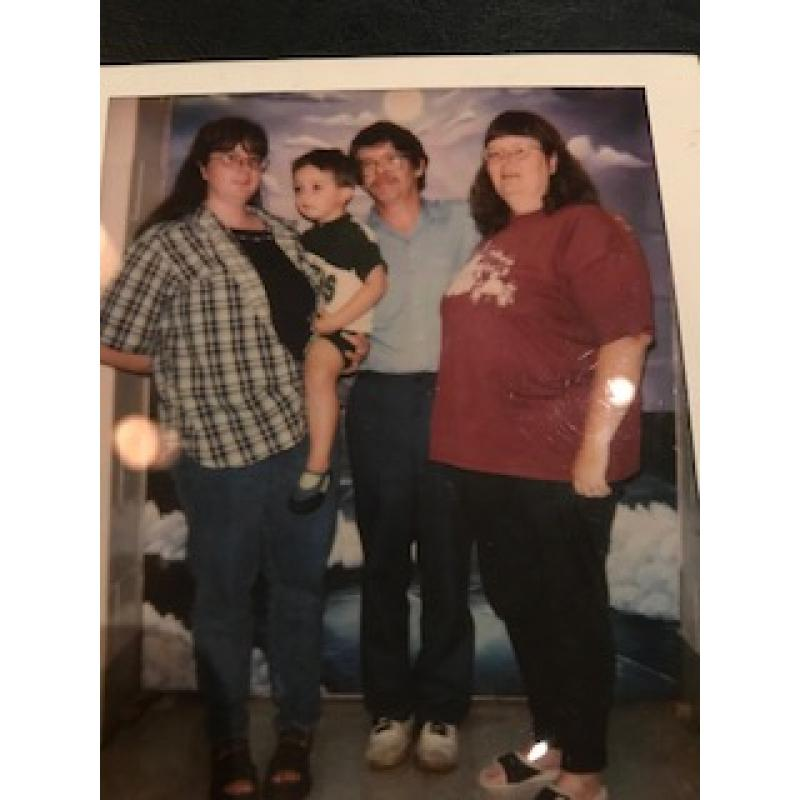 Deceased - Dale Finch original prison Polaroid with his family